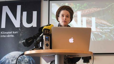 Miljöpartiets partisekreterare Amanda Lind presenterar årets valstrategi. Foto: Fredrik Sandberg / TT