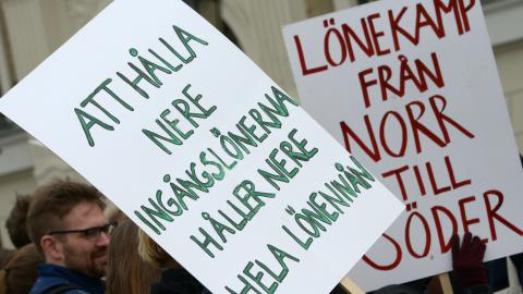 Sjuksköterskestudenter demonstrerar på Stortorget i Lund med krav på 24000 kr i ingångslön. Bilden är från 2013. Foto: Johan Nilsson / SCANPIX