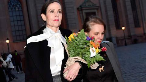 Sara Danius, på väg bort från Svenska Akademien. Foto: Jonas Ekströmer / TT