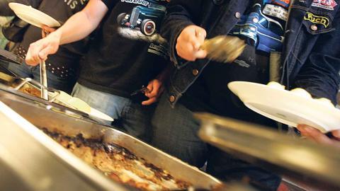 """Miljöförvaltningen konstaterar i sin rapport """"Fossilfritt Göteborg – vad krävs"""" att utsläppen från livsmedel kan minskas om kött, chark och ägg byts ut mot vegetariska alternativ Foto: Bertil Ericson / TT"""