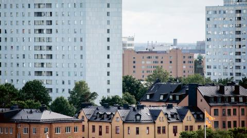 Med en kraftfull bostadspolitik, med omfördelning från bostad- till hyresrätt, kan vi få fram bostäder till alla dem som behöver, skriver dagens debattörer.