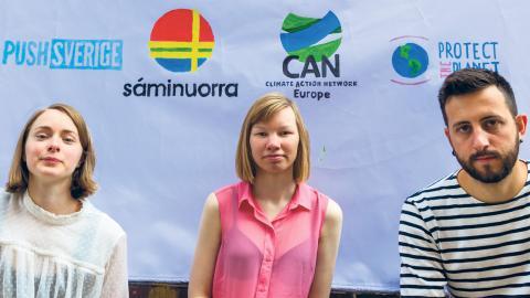 """Julia Lönnqvist, Sanna Vanner och Florian Carl hoppas att en domstol ska tvinga EU att skärpa sina utsläppsmål. """"EU kan göra mycket mer än så här"""", säger Florian Carl."""