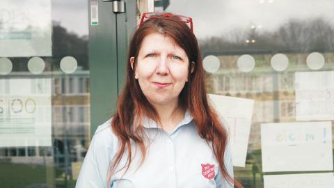 För femton år sedan stod Anki Thunman själv i en korridor och delade ut leksaker och badbaljor. I dag är tolv frivilligorganisationer aktiva vid boendet Sagåsen. Bild: Caroline Axelsson.