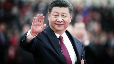 President Xi Jinping och det kommunistiska partiet har kontroll över statsmedia och styr över allt som når medborgarna via film, tv, böcker och radio. Partiet siktar på att via media styra medborgarna ideologiskt i deras hem, säger analytiker.  Bild: Lan Hongguang/Xinhua/AP/TT