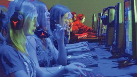Egna rader som reserverats för Female legends medlemmar gör att tjejerna på Dreamhack kan tävla utan störningsmoment.