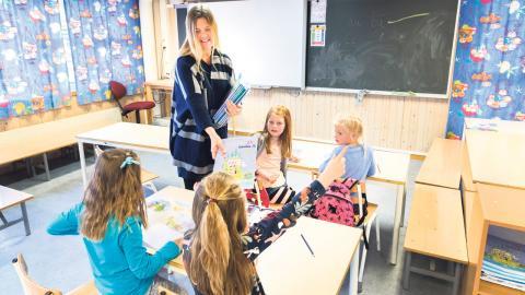 """""""Behovet av lärare är så stort att det inte räcker att enbart utbilda fler. Lärarutbildningen är nämligen redan idag högskolans största yrkesutbildning."""" Bild: Gorm Kallestad/TT"""