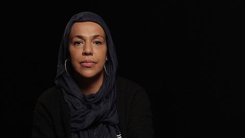 Fatima Doubakil deltog i den efterföljande panelen. Hon har kritiserats av kommunen för att hon kan associeras till muslimska brödraskapet, extremistiska personer och odemokratiska organisationer. Bild: Annika Busch