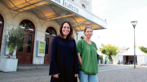 """Sarah Melin, curator, och Malin Schiller, projektledare, ser fram emot årets festival. """"Det känns jättebra att det snart är dags att kicka igång"""", säger Malin. Bild: Caroline Axelsson"""