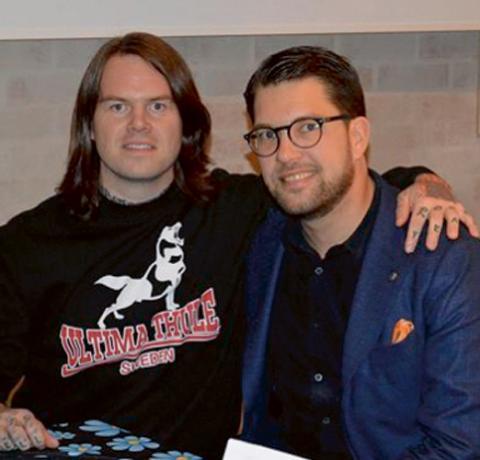 Mikael Bitén (tv) tillsammans med Jimmie Åkesson. Bild: Skärmdump från Facebook