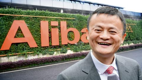 """Enligt Greenpeace skapar det kinesiska shoppingdygnet """"singlarnas dag"""" nära 300 000 ton koldioxidutsläpp. Jack Ma, grundare och styrelseordförande för Alibaba, är en av Kinas rikaste personer. Bild: Maja Suslin/TT"""