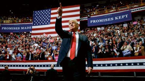 Mellanårsvalet är viktigt för president Donald Trumps möjlighet att få igenom sin politik de kommande två åren.  Bild: Evan Vucci/AP