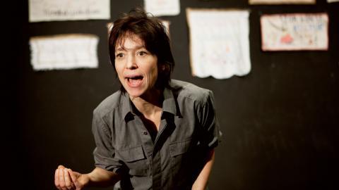 Andrea Edwards under repetition av SCUM-manifestet på Turteatern 2011. Bild: Jonas Jörneberg