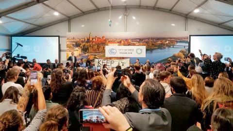 FN:s klimattoppmöte är på väg mot sitt slut. Flera länder har gått ut och lovat höjda ambitioner.  Bild: Frank Jordans/AP/TT