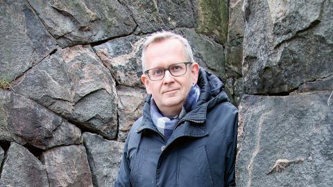 """""""Lyssnandet är väldigt viktigt idag och socialarbetare har en väldig kompetens i att lyssna på människor i ensamhet. Därför är det dags att resa sig upp för att arbeta på samhällsnivå med strukturinriktat arbete"""", säger Jörgen Lundälv.  Bild: Hanna Strömbom"""