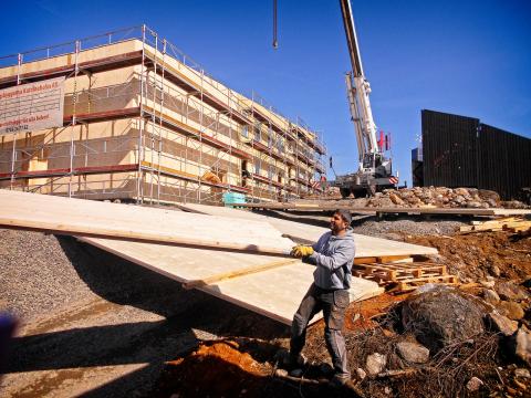 Att bygga trähus går fort – skolan reste ETC Bygg på bara några veckor i våras.