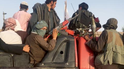 Talibanerna kontrollerar en allt större del av Afghanistan.  Bild: Rahmat Gal/AP