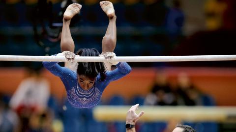 Världens bästa gymnast, amerikanskan Simone Biles, har redan 14 VM-guld på meritlistan. Räkna med att det blir  fler i Stuttgart i oktober.