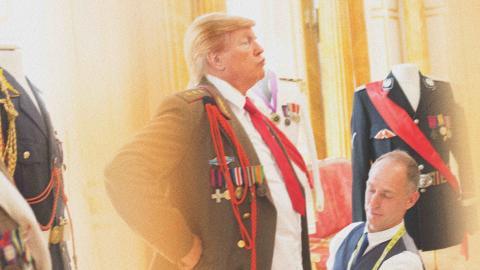 Trump  Generalissimo. This is not Donald Trump. Bild: Alison Jackson