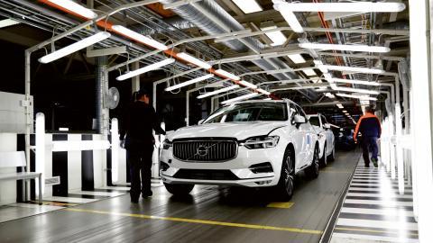 När Ford ville sälja Volvo Personvagnar år 2009 var planerna långt gångna på ett personalförvärv av aktierna. Idéerna om ett Volvo som ägs av medarbetaana själva lever fortfarande på fabriken i Torslanda.   Bild: Thomas Johansson/TT