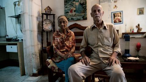 José Riera och hans hustru Rocio har bott i sitt hus i Petare i närmare 50 år.  Bild: Carla Zamora