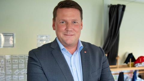 Kommunals ordförande Tobias Baudin 1 maj-talar i Uppsala. Foto: Jessica Gow / TT