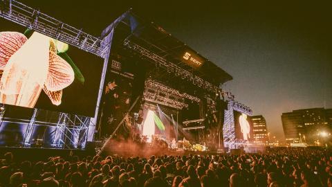 Robyn, Erykah Badu, Nas, Primal Scream och Solange är några av artisterna som spelar på Primavera Sound i år.