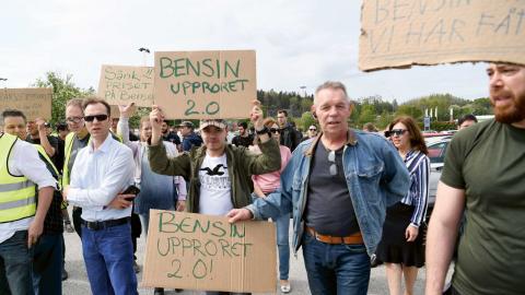 Bensinupproret 2.0 har skapat rubriker senaste tiden och samlat cirka en halv miljon människor som protesterar mot ökade bensin- och dieselpriser.  Foto: TT