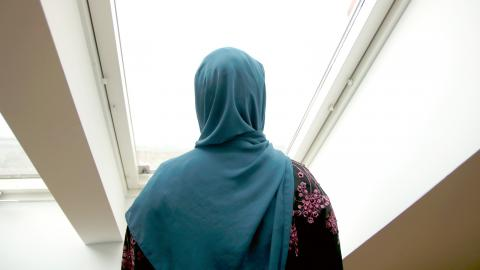 I mitten på maj blev 19-åriga tvåbarnsmamman Sara hemlös. Bild: Sao-Mai Dau