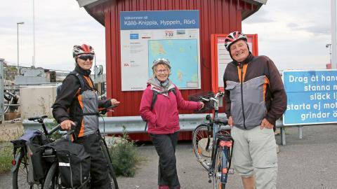 Den norska trion Torstein Fyhri, Ingrid Fyhri och Betty Lind ska utforska naturreservatet på Rörö.  Bild: Helle Lyrstrand Larssen