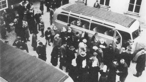 """Nazisternas förintelseprojekt """"T4"""" förde människor till kliniker där de mördades.  Bild: Bundesarchiv"""