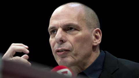 Greklands före detta finansminister Yanis Varoufakis är tillbaka i grekisk politik.  Bild: Petros Giannakouris/AP/TT
