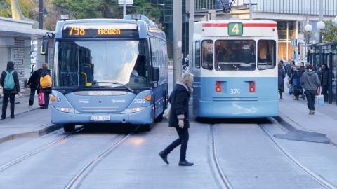 Kommunal Väst har inte skapat förutsättningar för en fungerande facklig verksamhet på Spårvägen, skriver debattörerna.  Bild: Fredrik Sandberg/TT