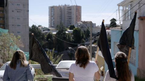 Lokala bostadsaktivister i Valparaiso, Chile. Stillbild från filmen Push.