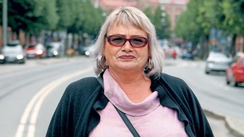 """Efter fem år som EU-parlamentariker i Bryssel och Strasbourg är Soraya Post nu tillbaka i Göteborg. """"Det har varit fem år av offentlighet, fem år där all min energi och uppmärksamhet har gått åt politiken"""", säger hon.   Bild: Sao-Mai Dau"""