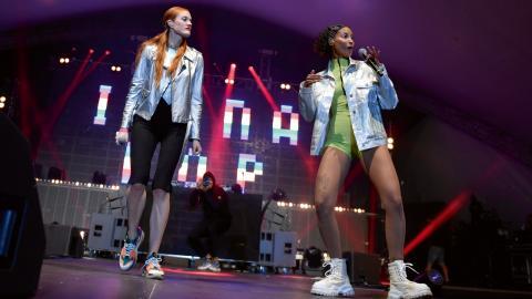 Icona Pop var ett av banden som spelade på Thorengruppens företagsfest.  Bild: Stina Stjernkvist/TT