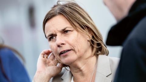 Insändarskribenten har två ödesfrågor till klimat- och miljöministern Isabella Lövin (MP).  Bild: Christine Olsson/TT