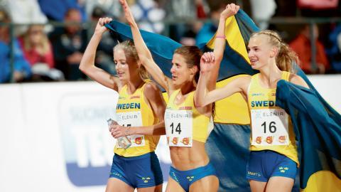 Sveriges Linn Nilsson, Charlotta Fougberg och Sara Christiansson efter damernas 10 000m under Finnkampen förra året.  Bild: Christine Olsson/TT