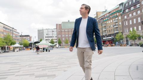 Jimmy Jansson (S), ordförande för kommunstyrelsen i Eskilstuna. Partikamraten Hans Bergström är starkt kritisk till tiggeriförbudet som Socialdemokraterna har varit med och röstat fram. Bild: Fredrik Sandberg/TT