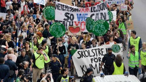 Demonstrationen Global Strike for Future går från Humlegården till Kungsträdgården i Stockholm. Foto: TT