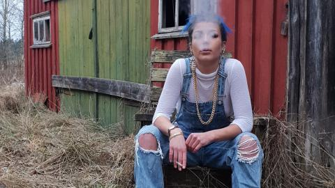 """Förra veckan utsågs Loa Ek till veckans artist  i P3-programmet """"Din gata"""".  Bild: Press"""