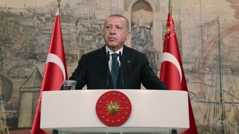 Erdogans Turkiet bedriver olovlig underrättelseverksamhet i Sverige och Europa, enligt debattören.  Bild: AP