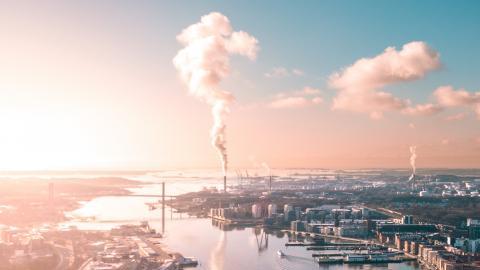 """""""Vi kräver att Göteborgs stad tar aktiva steg för ett hållbart arbetsliv ien hållbar framtid"""", skriver debattörerna.   Bild: Shutterstock"""