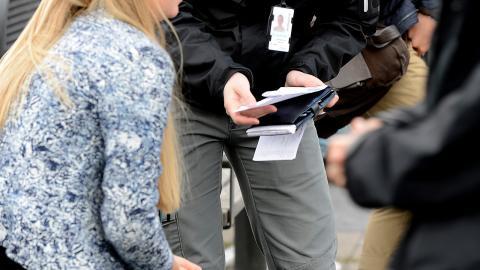 Kontroller leder till konfrontationer istället för att förbättra arbetssituationen för förarna i kollektivtrafiken, menar debattören. Bild: Newsroom/Jeanette Larsson