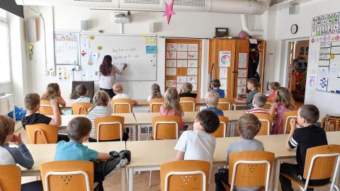 Med ett generellt stöd blir undervisningen av bättre kvalitet och når fler som behöver hjälp, menar debattören.  Bild: Jonas Ekströmer/TT