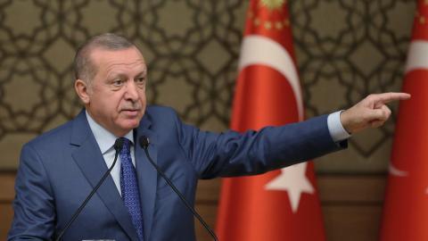 Den senaste tiden har Turkiets president Recep Tayyip Erdogan gått till hårt angrepp mot kurderna på båda sidorna om den syrisk-turkiska gränsen.  Bild: AP
