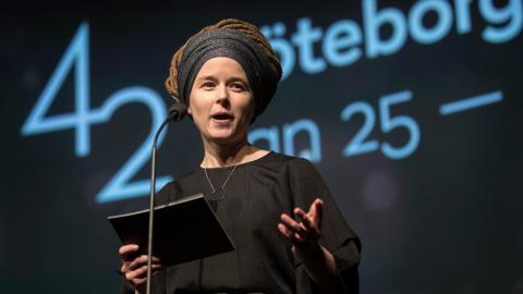 Kulturminister Amanda Lind (MP) inviger Göteborgs Filmfestival på biograf Draken.  Bild: Thomas Johansson/TT