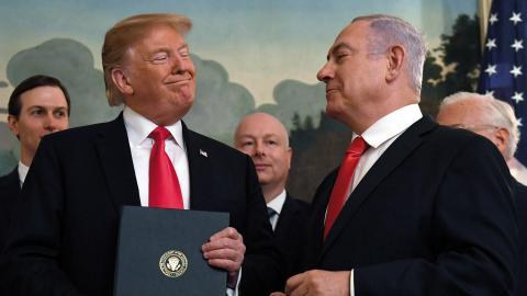 USA:s president Donald Trump och Israels premiärminister Benjamin Netanyahu under ett möte i Vita Huset i mars förra året. Bild: Susan Walsh/AP