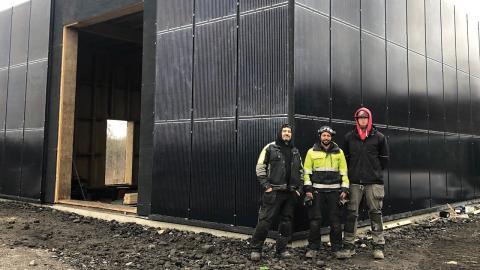 Våra byggare har bland annat varit Ahmed Mardili, Abraham Fesehatsion och Björn Hell, samt  Zersenay Tezare och Tesfalem Teklay (ej med på bild).