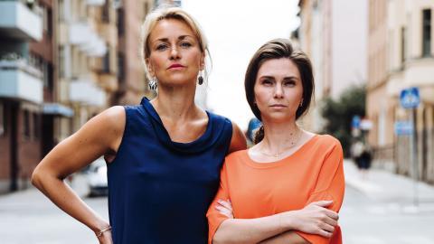 """""""Regeringen har inget annat val än att tydligt sätta ner foten mot att kvinnors och barns liv köpslås om, om den ska vara trovärdig i frågan att bekämpa mäns våld mot kvinnor"""", skriver Unizons Olga Persson och Zandra Kanakaris.  Bild: Unizon"""