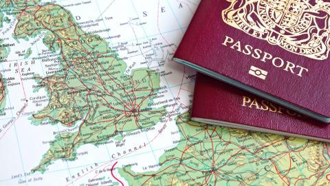 Ett poängsystem som ska avgöra huruvida någon får invandra till Storbritannien eller inte.  Bild: Shutterstock